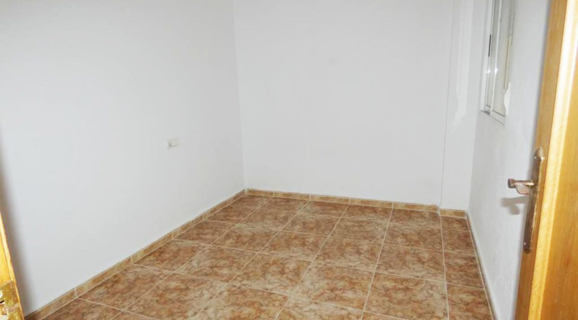 2 Bedrooms apartment For Sale Close to the Beach in Torrevieja (3)