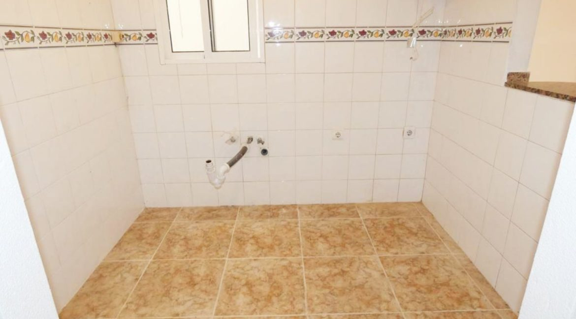 2 Bedrooms apartment For Sale Close to the Beach in Torrevieja (6)