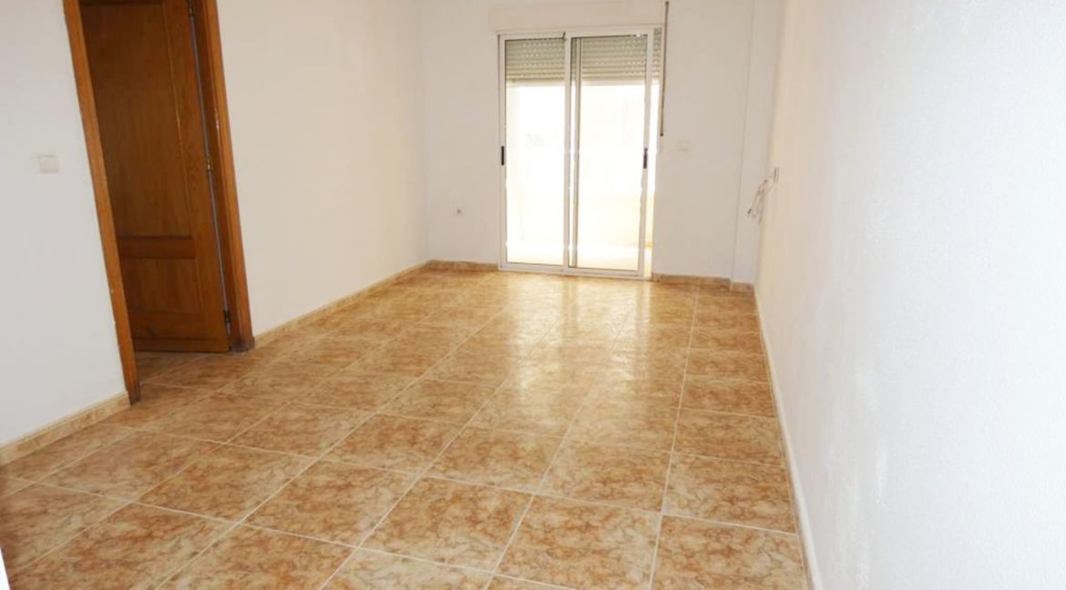 2 Bedrooms apartment For Sale Close to the Beach in Torrevieja (7)