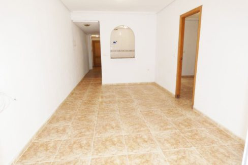 2 Bedrooms apartment For Sale Close to the Beach in Torrevieja (8)