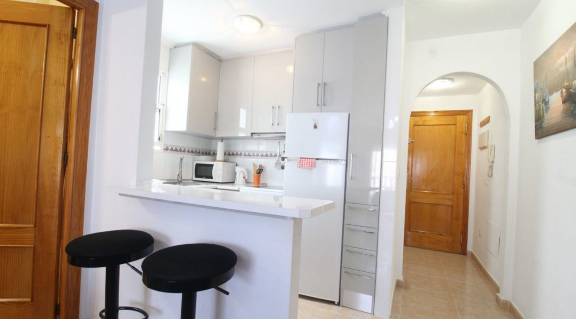 2 Double Bedrooms Apartment For Sale Close To The Beach In Torrevieja (13)