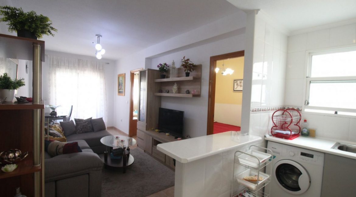 2 Double Bedrooms Apartment For Sale Close To The Beach In Torrevieja (17)