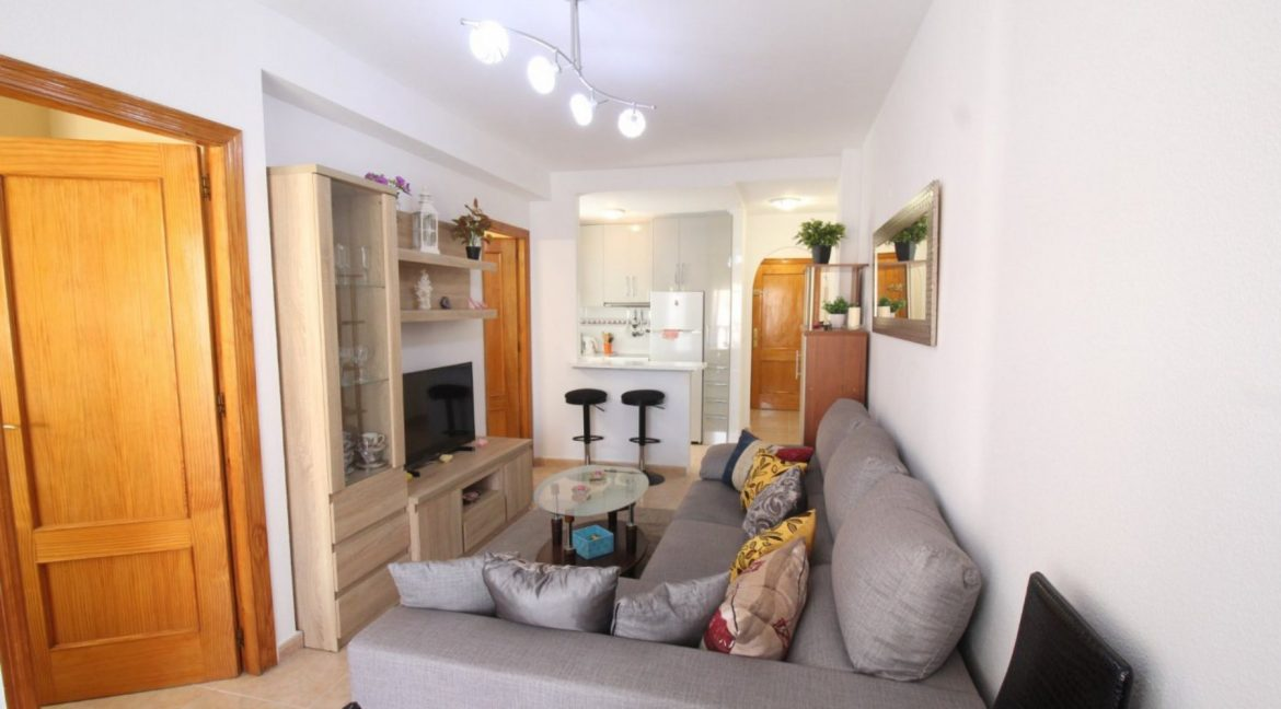 2 Double Bedrooms Apartment For Sale Close To The Beach In Torrevieja (19)