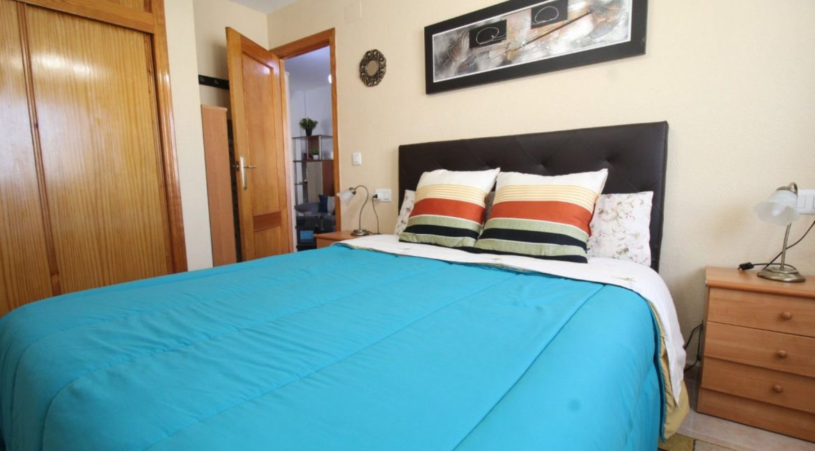 2 Double Bedrooms Apartment For Sale Close To The Beach In Torrevieja (20)