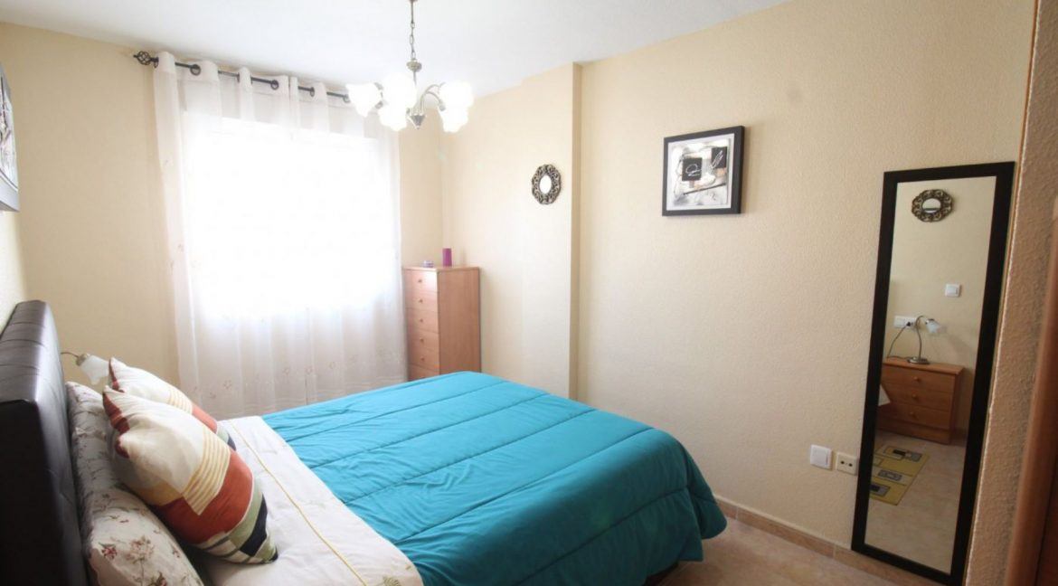 2 Double Bedrooms Apartment For Sale Close To The Beach In Torrevieja (5)