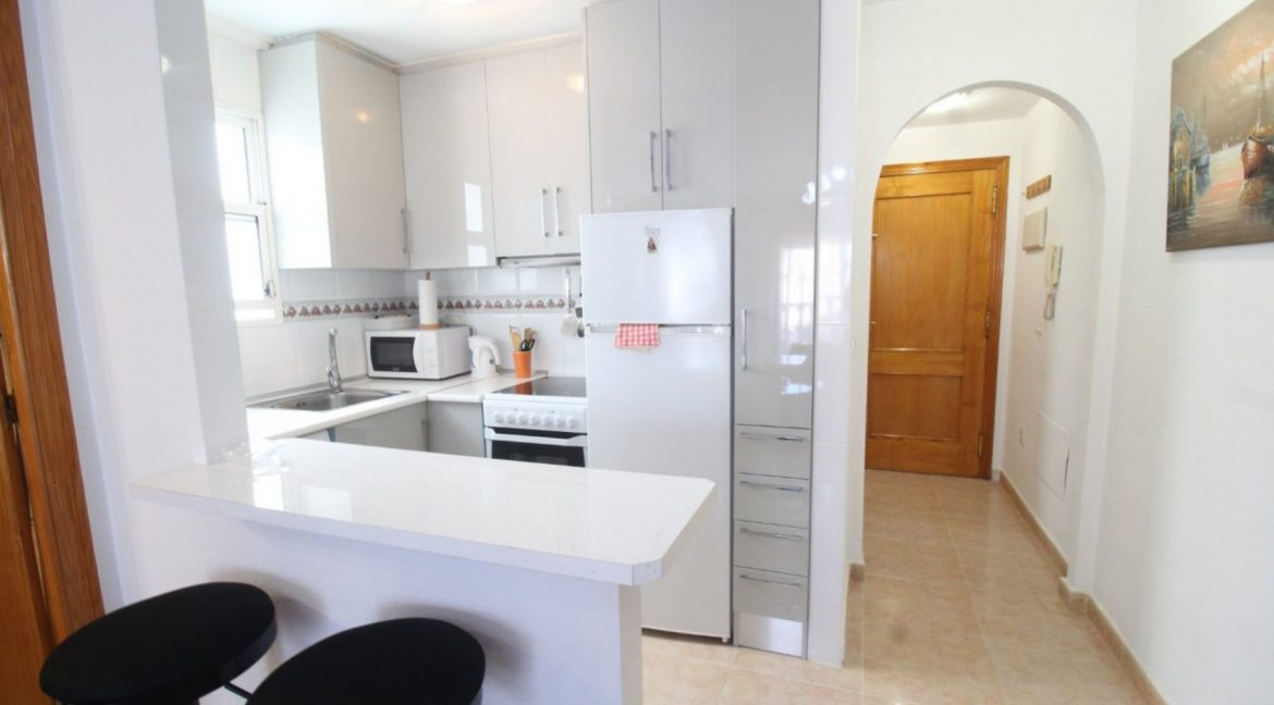 2 Double Bedrooms Apartment For Sale Close To The Beach In Torrevieja (6)