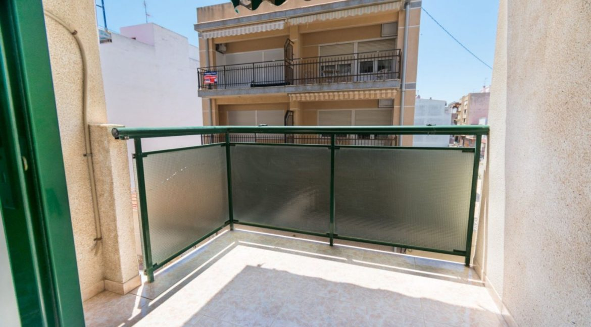 2 Double Bedrooms Apartment For Sale with Sea Views in Torrevieja (5)