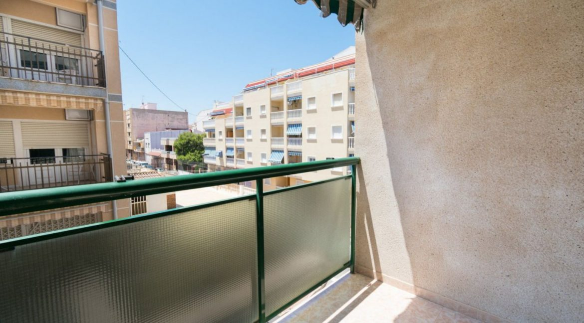 2 Double Bedrooms Apartment For Sale with Sea Views in Torrevieja (6)
