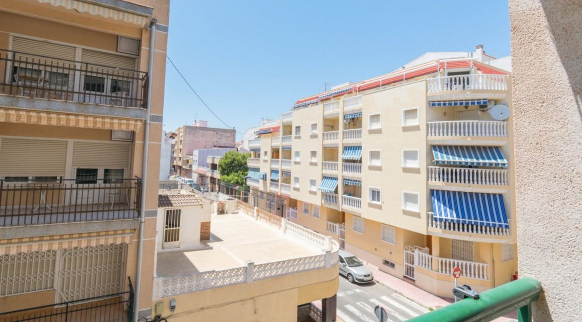 2 Double Bedrooms Apartment For Sale with Sea Views in Torrevieja (7)