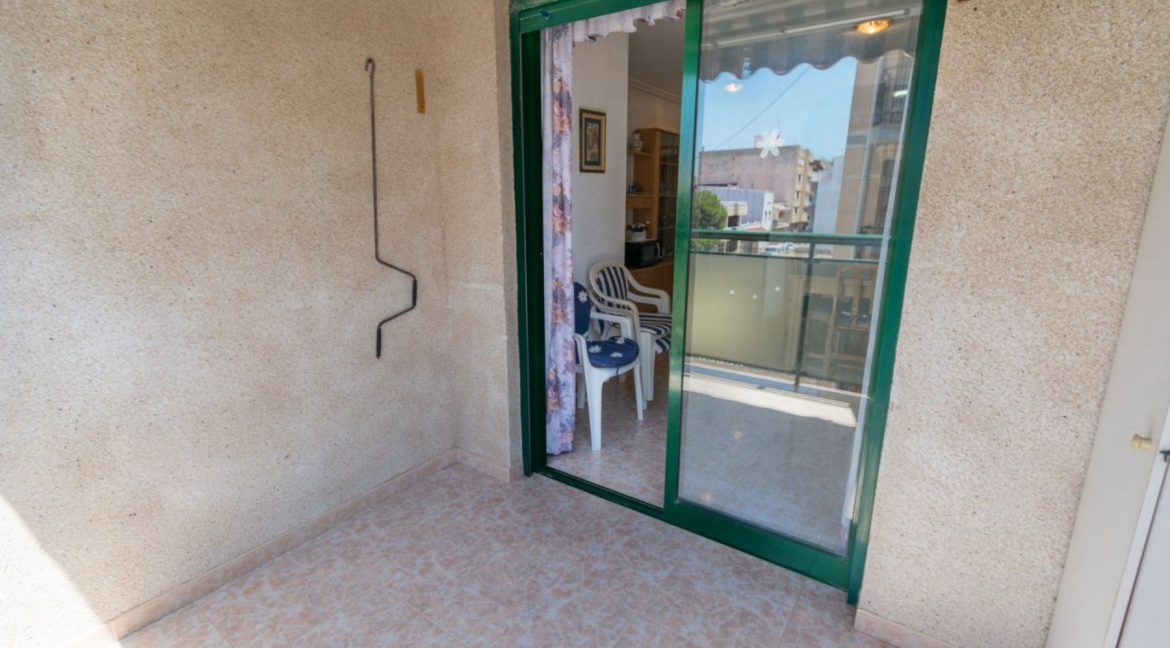 2 Double Bedrooms Apartment For Sale with Sea Views in Torrevieja (8)