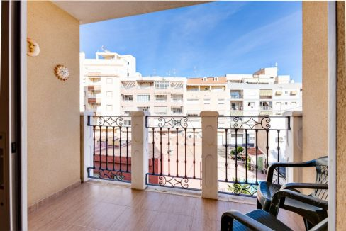 3 Bedrooms Apartment For Sale Just 500 Meters From El Cura Beach – Torrevieja