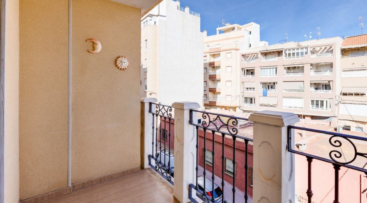 3 Bedrooms Apartment For Sale Just 500 Meters from El Cura Beach - Torrevieja (26)