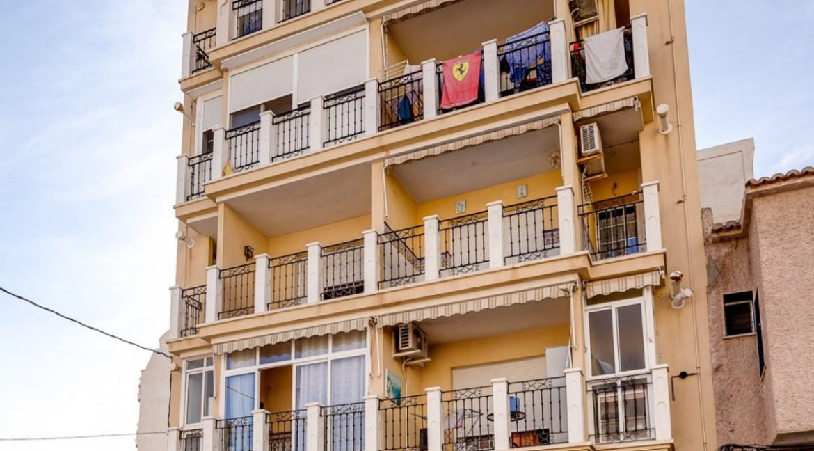 3 Bedrooms Apartment For Sale Just 500 Meters from El Cura Beach - Torrevieja (28)