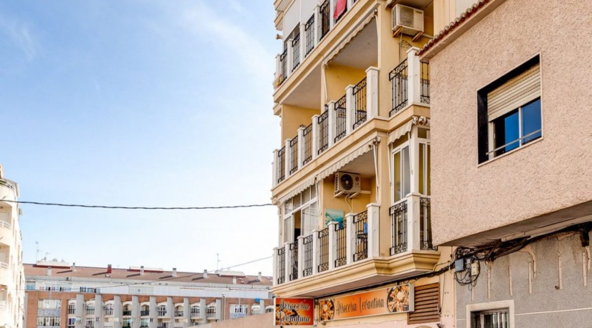 3 Bedrooms Apartment For Sale Just 500 Meters from El Cura Beach - Torrevieja (29)