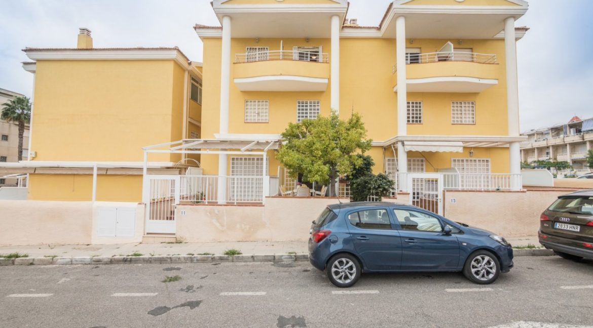 3 Bedrooms Townhouse with Swimming Pool and Parking For Sale in Santa Pola (1)
