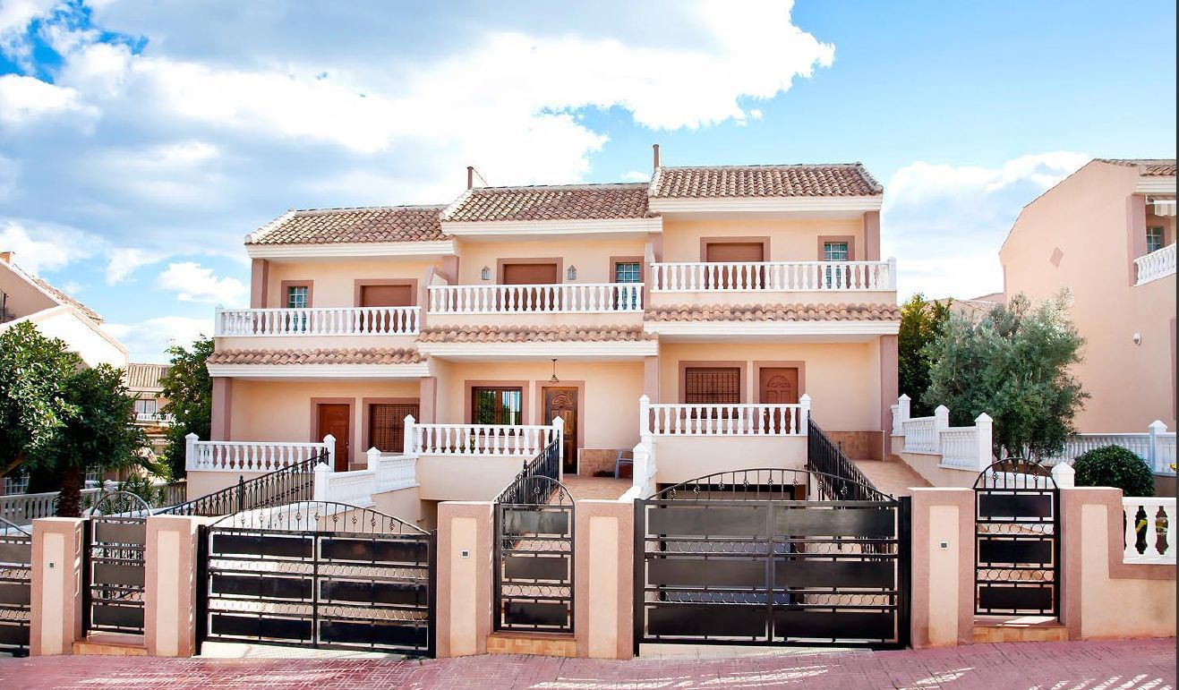 3 Bedrooms Duplex Townhouse with Solarium For Sale in Los Altos – Torrevieja