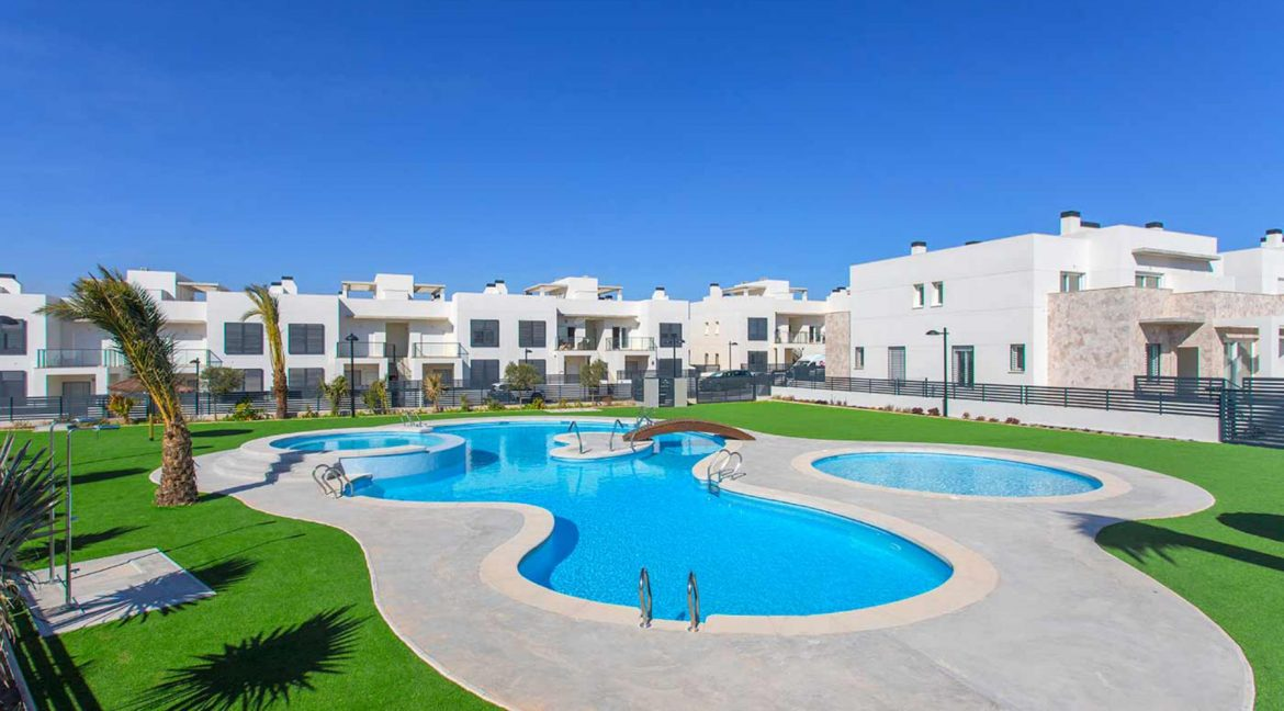 3 Bedrooms Townhouses with Solarium and Communal Pool in Torrevieja (1)
