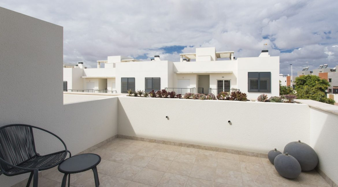 3 Bedrooms Townhouses with Solarium and Communal Pool in Torrevieja (32)