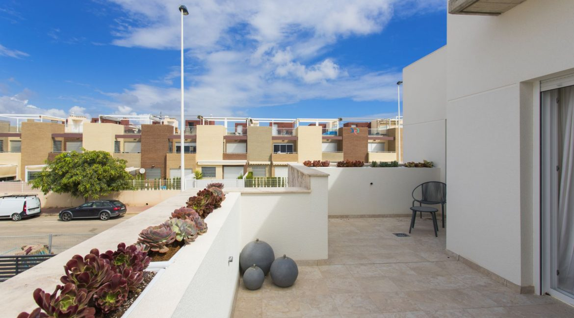 3 Bedrooms Townhouses with Solarium and Communal Pool in Torrevieja (33)