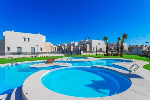 3 Bedrooms Townhouses with Solarium and Communal Pool in Torrevieja (35)