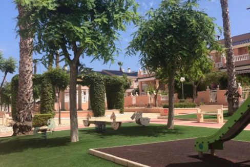 3 Bedrooms Villa For Sale With Private Garden And Large Bathroom En-Suite In Gran Alacant (4)