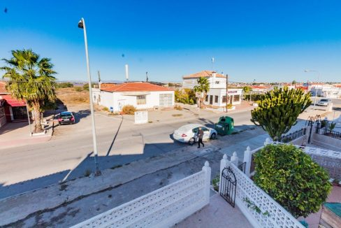 Bargain Torrevieja - 2 Bedrooms Top Floor Bungalow For Sale in Torrevieja (3)