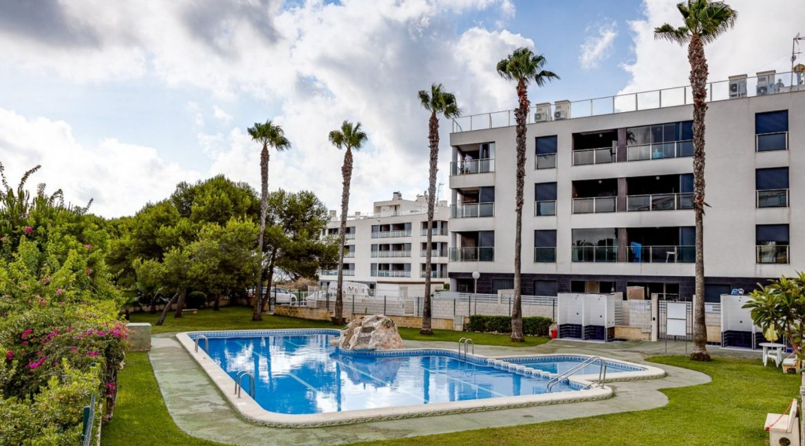 2 Bedrooms Apartment For Sale 200 Meters from La Mata Beach - Torrevieja (4)