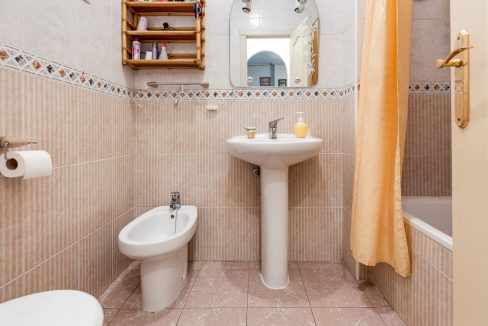 2 Bedrooms Apartment For Sale 200 Meters from La Mata Beach - Torrevieja (9)