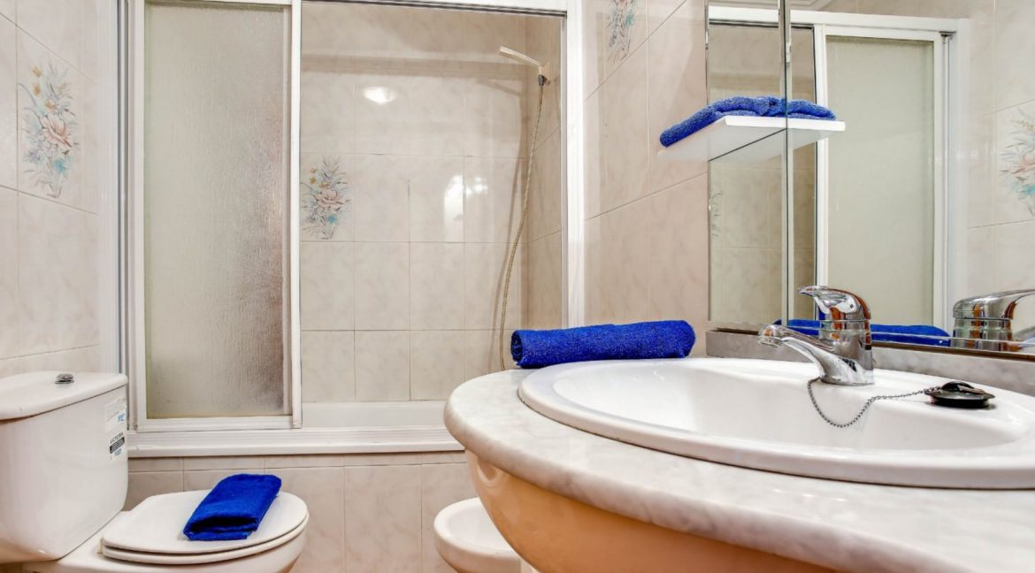 2 Bedrooms Apartment For Sale 400 Meters from El Cura Beach - Torrevieja (10)