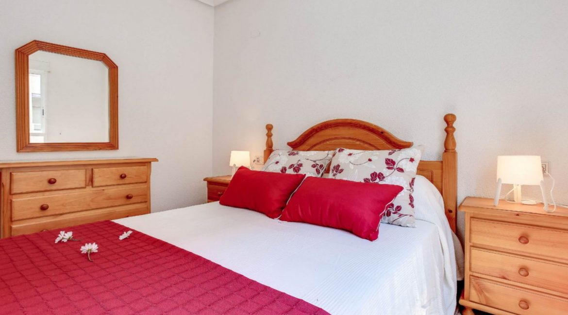 2 Bedrooms Apartment For Sale 400 Meters from El Cura Beach - Torrevieja (15)