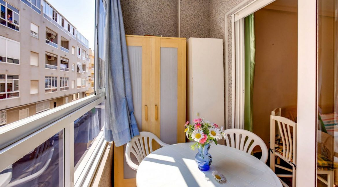 2 Bedrooms Apartment For Sale 400 Meters from El Cura Beach - Torrevieja (22)