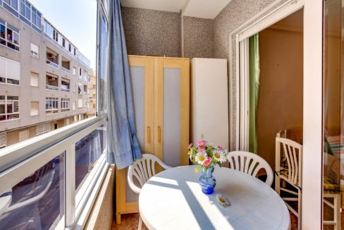 2 Bedrooms Apartment For Sale 400 Meters from El Cura Beach - Torrevieja