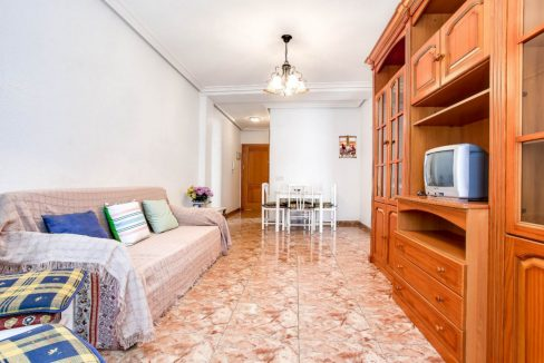 2 Bedrooms Apartment For Sale 400 Meters from El Cura Beach - Torrevieja (4)