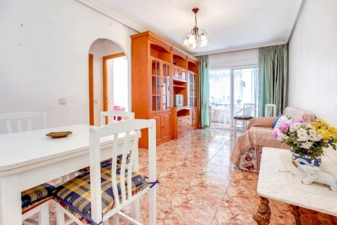 2 Bedrooms Apartment For Sale 400 Meters from El Cura Beach - Torrevieja (5)