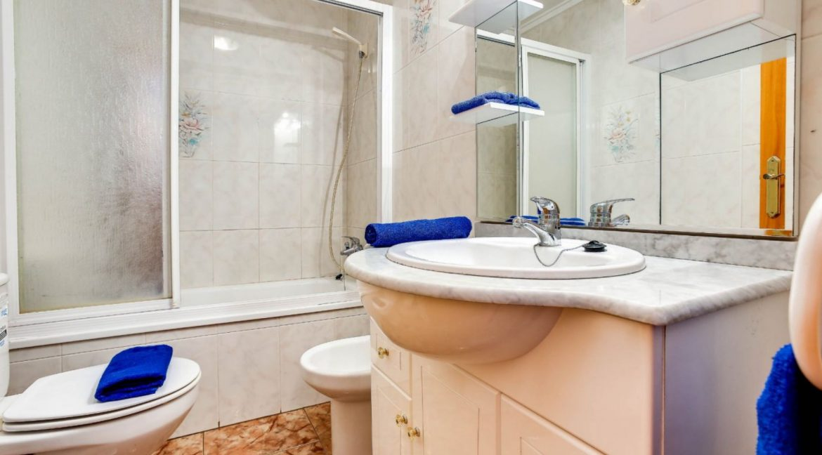 2 Bedrooms Apartment For Sale 400 Meters from El Cura Beach - Torrevieja (9)
