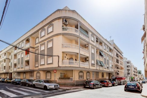 2 Bedrooms Apartment For Sale Close to Los Locos Beach - Torrevieja (1)