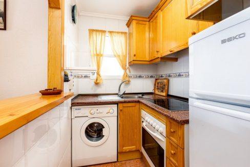 2 Bedrooms Apartment For Sale Close to Los Locos Beach - Torrevieja (19)
