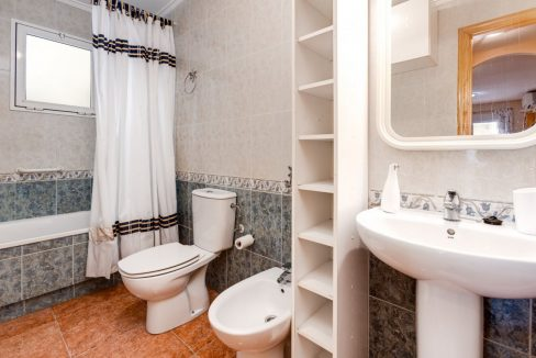 2 Bedrooms Apartment For Sale Close to Los Locos Beach - Torrevieja (21)