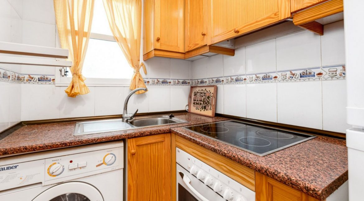 2 Bedrooms Apartment For Sale Close to Los Locos Beach - Torrevieja (22)