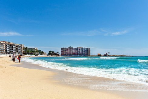 2 Bedrooms Apartment For Sale Close to Los Locos Beach - Torrevieja (4)