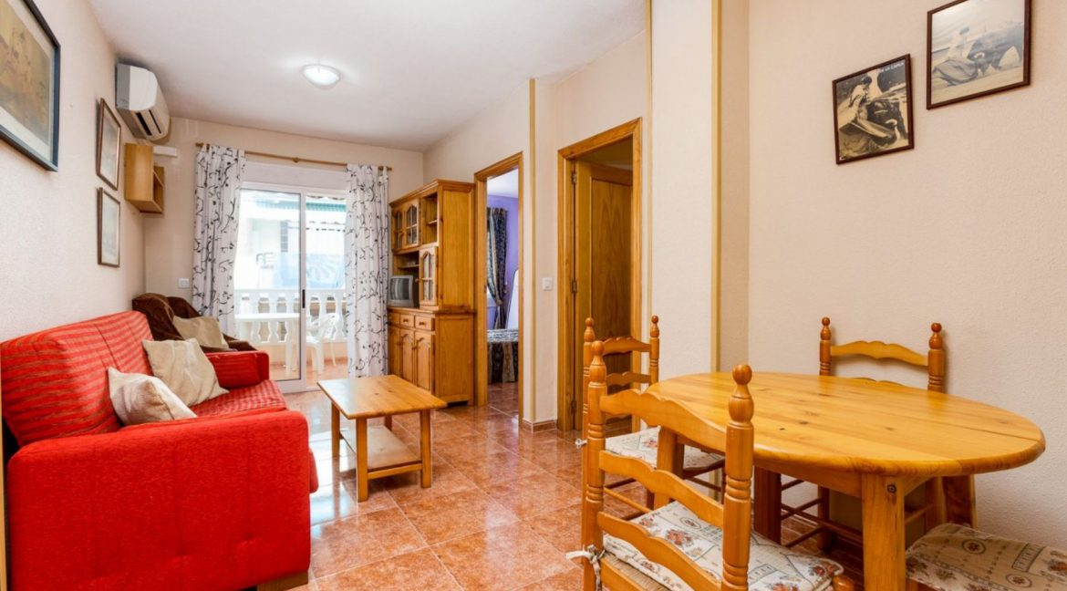 2 Bedrooms Apartment For Sale Close to Los Locos Beach - Torrevieja (5)