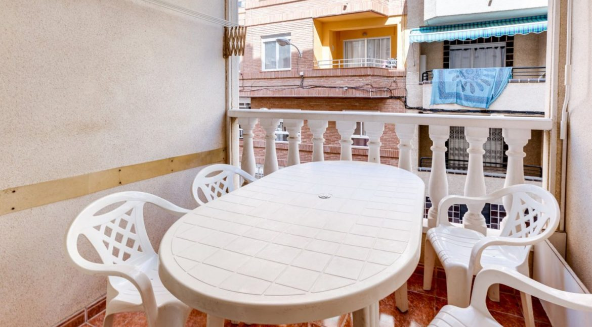 2 Bedrooms Apartment For Sale Close to Los Locos Beach - Torrevieja (6)