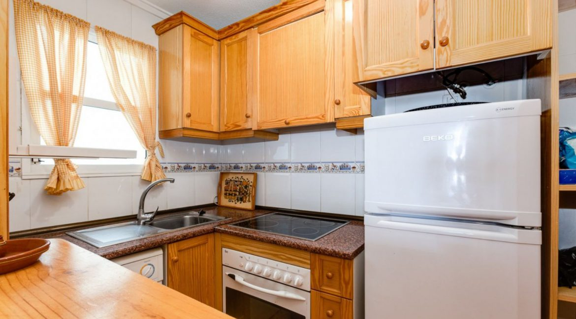 2 Bedrooms Apartment For Sale Close to Los Locos Beach - Torrevieja (8)