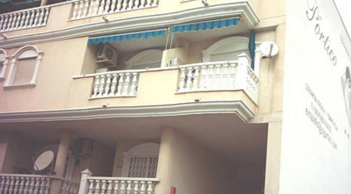 2 Bedrooms Apartment For Sale Just 600 Meters from El Cura Beach - Torrevieja (2)