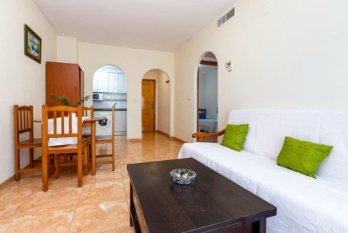 2 Bedrooms Apartment For Sale with Large Terrace in El Cura Beach - Torrevieja (8)