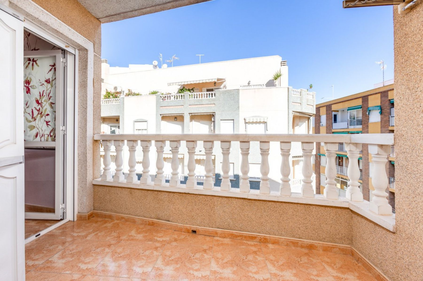 2 Bedrooms Apartment For Sale with Large Terrace in El Cura Beach - Torrevieja