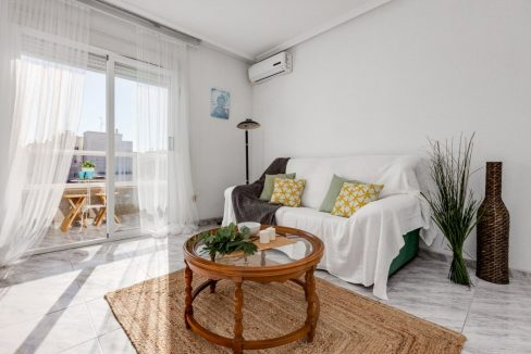 2 Bedrooms Apartment For Sale with Large Terrace in Torrevieja (16)