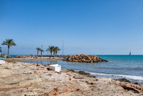 2 Bedrooms Apartment For Sale with Large Terrace in Torrevieja (33)