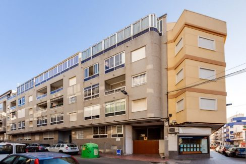 2 Bedrooms Apartment For Sale with Large Terrace in Torrevieja (34)