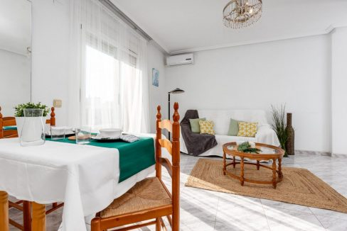 2 Bedrooms Apartment For Sale with Large Terrace in Torrevieja (5)